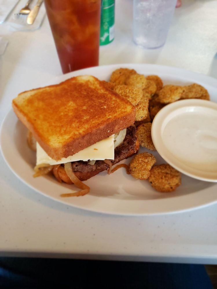 Memaw's Cafe: 708 Catlett St, Hickman, KY