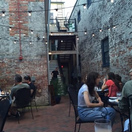 Photo Of Thames Street Oyster House   Baltimore, MD, United States. Outdoor  Seating