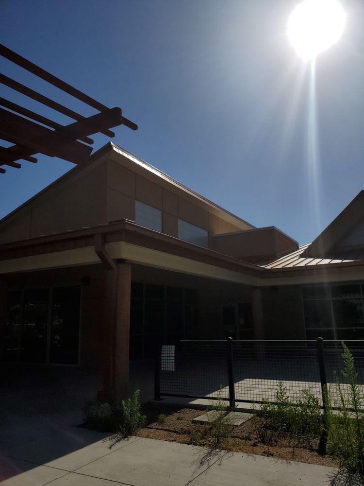 Los Duranes Community Center