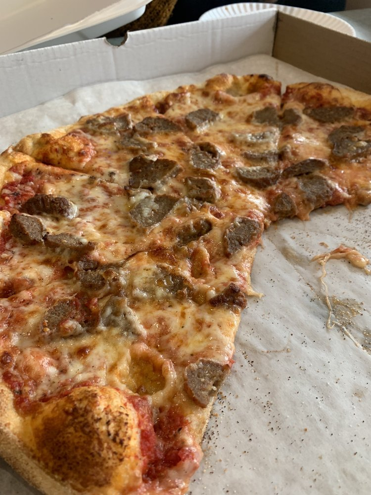 Food from Leoni's Brick Oven Pizzeria