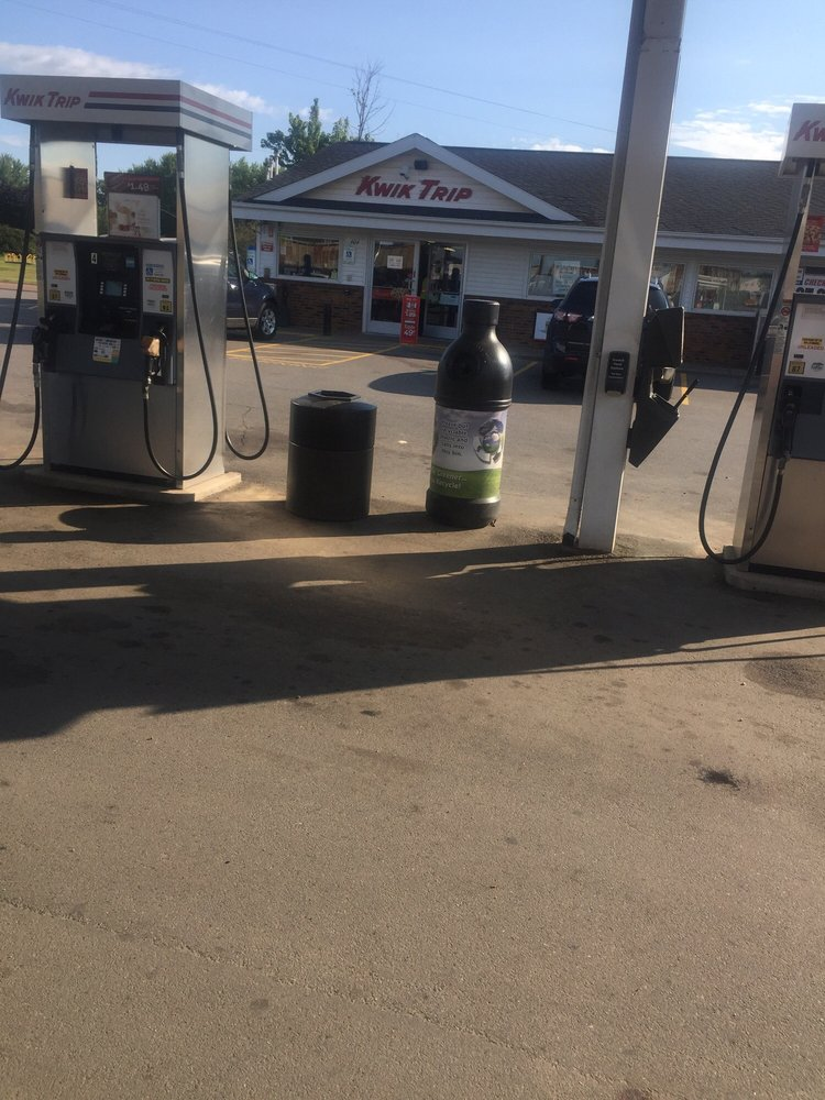 Kwik Trip: 404 S Pacific St, Spencer, WI