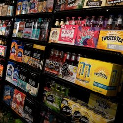 Shoregate Beverage Liquor 16 Photos 12 Reviews Beer Wine