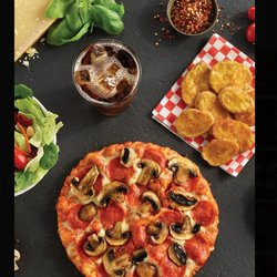 shakeys pizza parlour