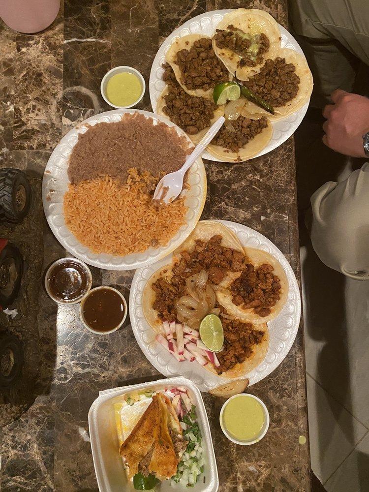 Tacos Jalisco: 5901 Hartman Rd, Forest Hill, TX