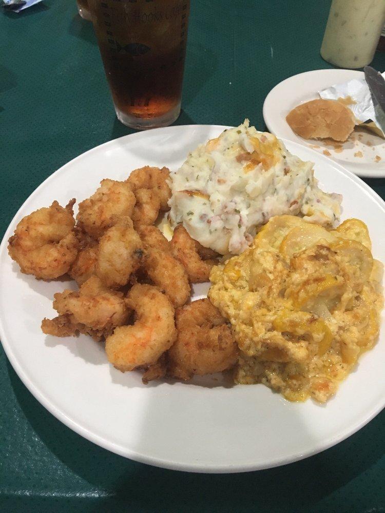 Fish Hook's Cafe: 231 E Main St, Belhaven, NC
