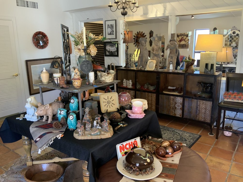 Foothills Animal Rescue Resale Boutique Carefree: 7202 E Ho Rd, Carefree, AZ