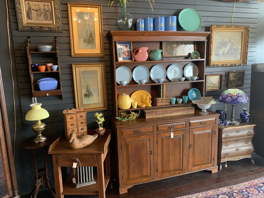 Armadillo Antiques N More: 7243 Blanco Rd, San Antonio, TX