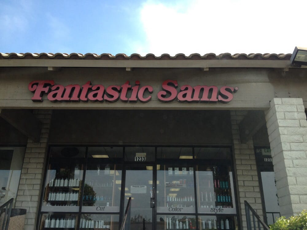 The storefront yelp for Sams salon