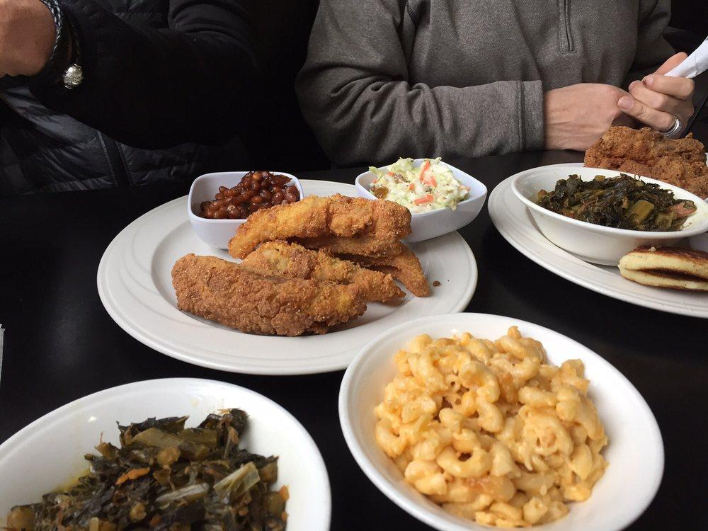 Photo of Dialo's Cafe: Benton Harbor, MI