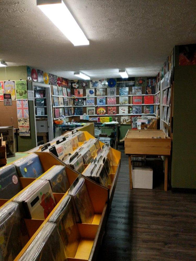 Kelley's Vinyl Record Store: 1200 E Main St, Ashland, OH