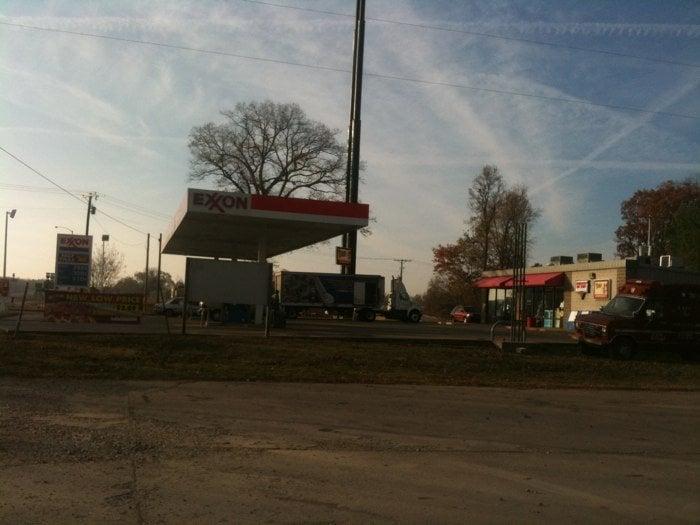 Fast Traxx Exxon: I40 And Hwy 11, Hazen, AR