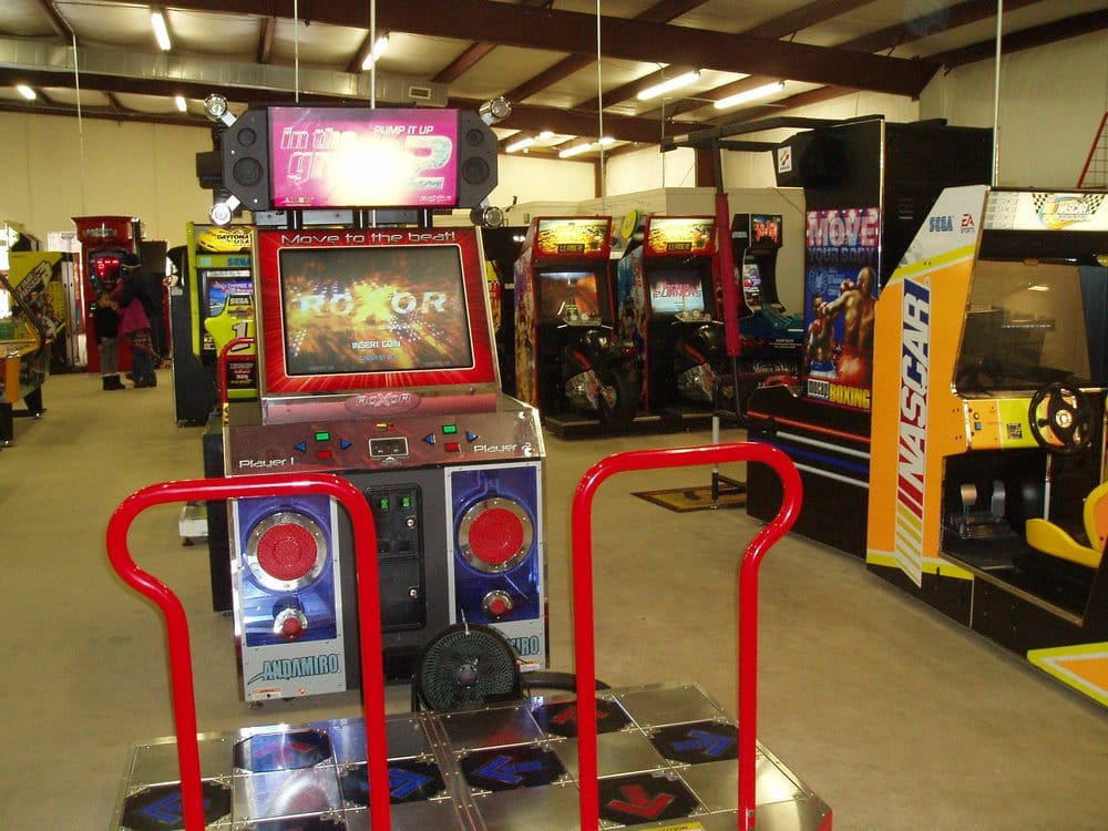 Mini Putt Family Entertainment Center: 900 Benvenue Rd, Rocky Mount, NC