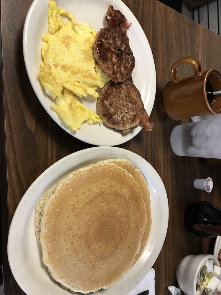 Joplin Cafe: 2330 W 20th St, Joplin, MO