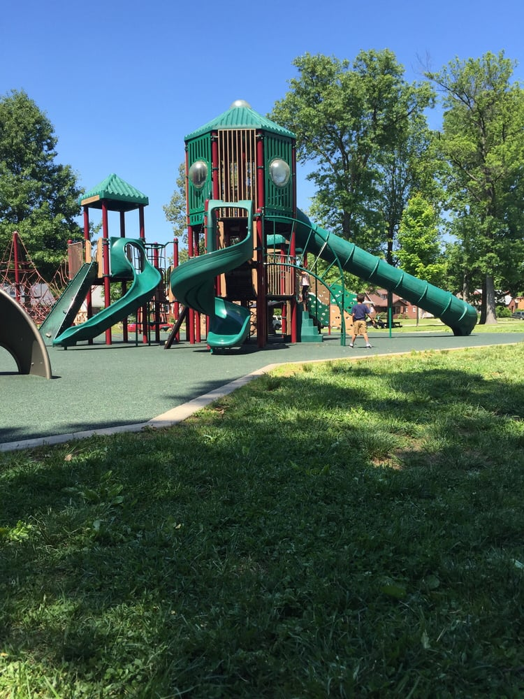 Moreland Park: Moreland Ave, Owensboro, KY