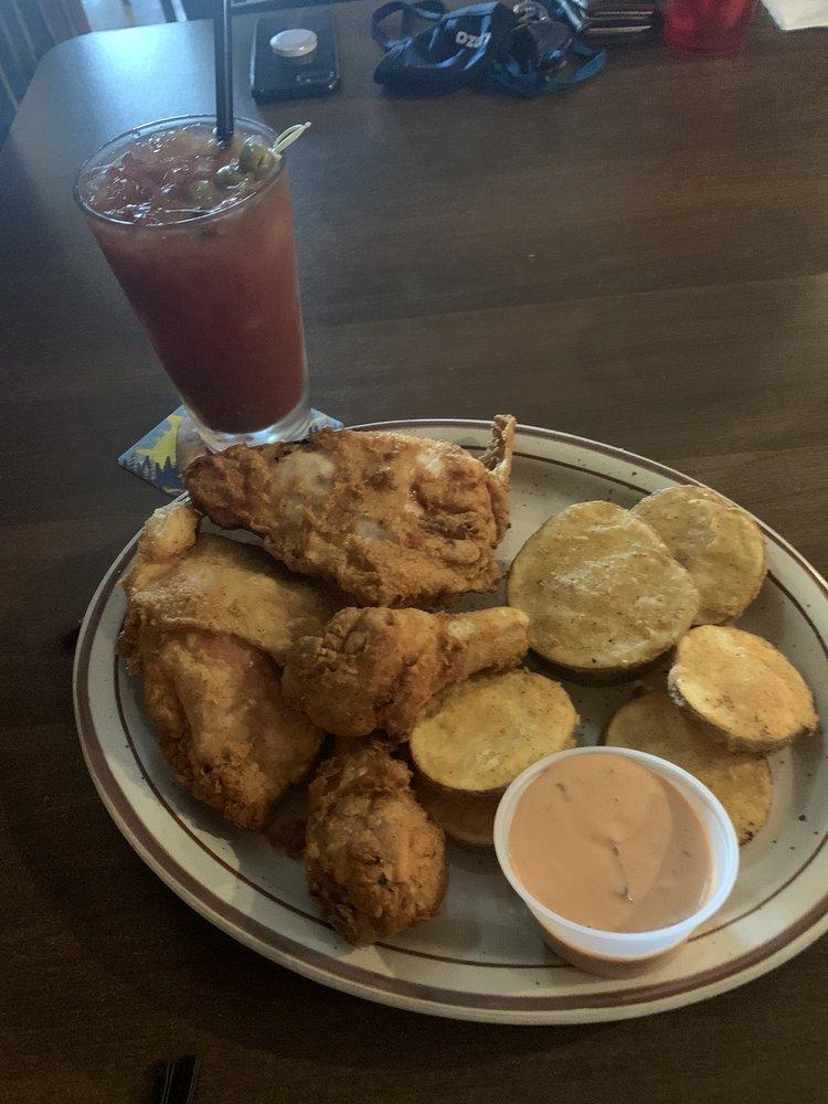 Round Butte Inn: 503 1st Ave, Culver, OR