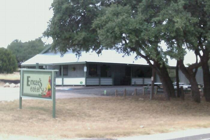Emcee's Eatery & Catering: 108 Pace Bend Rd S, Spicewood, TX