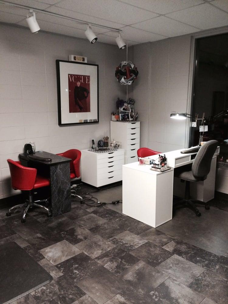 Photos for nikki 39 s salon yelp for Nikki o salon lagos
