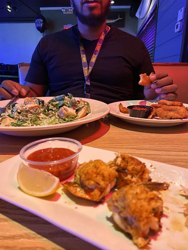 The Reef Seafood & Steak Restaurant: 2618 Carpenter Station Rd, Wilmington, DE