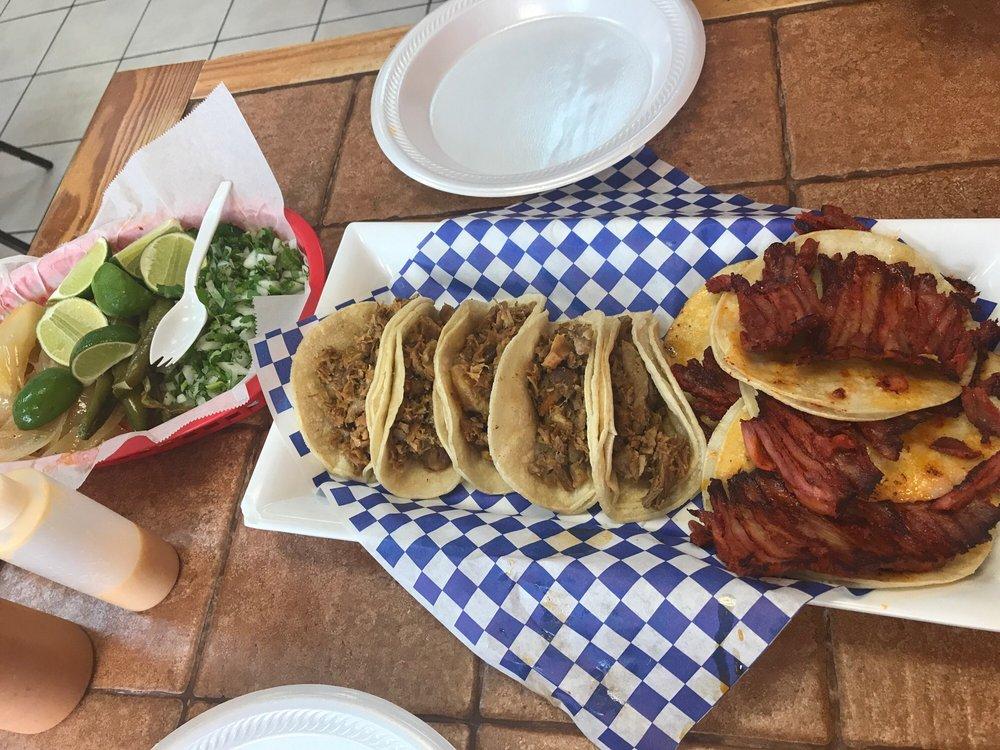 Las Tres Salsas Taqueria: 2725 S Buckner Blvd, Dallas, TX