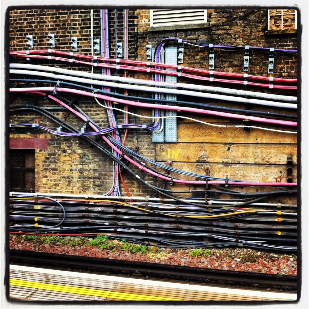 how to get to whitechapel by train