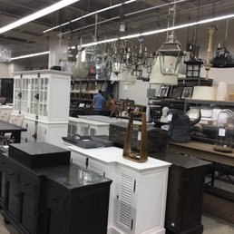 Restoration Hardware factory outlet stores locations 20 stores List of all Restoration Hardware Outlet stores locations in the US, Canada and Mexico. Select state and get information about Restoration Hardware brand location, opening hours, Outlet Mall contact information.