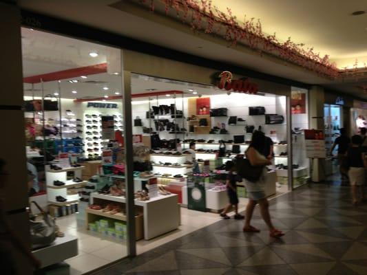 33b53c7f73 Bata - Shoe Shops - 2 Temasek Boulevard