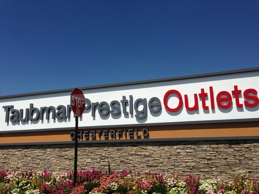 Taubman Centers Inc. is effectively waving a white flag in its four-year retail battle with Simon Properties, having agreed to sell the building and operations of Taubman Prestige Outlets mall in Chesterfield to the Staenberg Group.