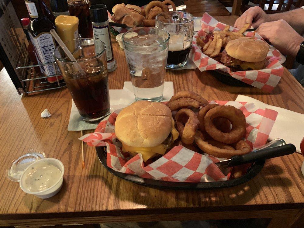 Schuberg's Bar & Grill: 109 N Michigan Ave, Big Rapids, MI