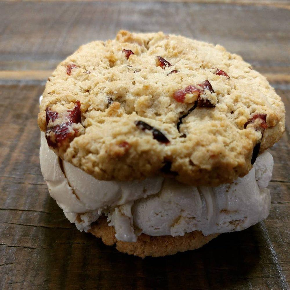 Mancinos Sweet Shop: 4114 W Bethel Ave, Muncie, IN