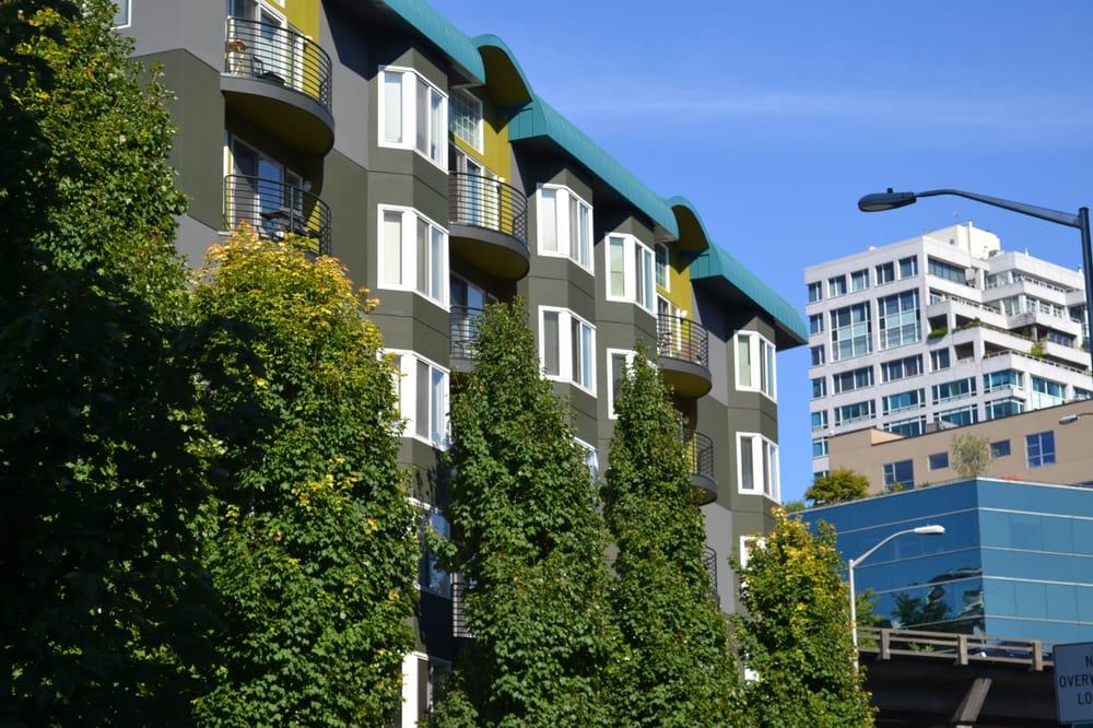 Elliott Pointe Apartments