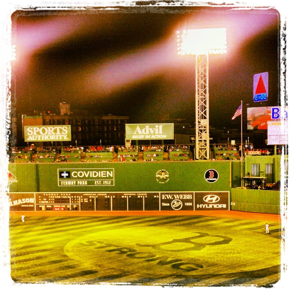 Overlooking the other side of the green monster on Lansdowne Street ...