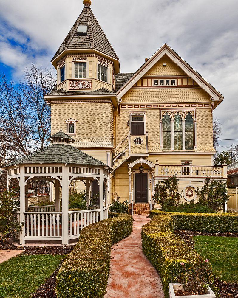 Victorian Mansion at Los Alamos: 326 Bell St, Los Alamos, CA