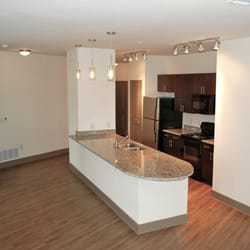 Brick Row Apartments - 12 Photos & 35 Reviews - Apartments - 744 ...