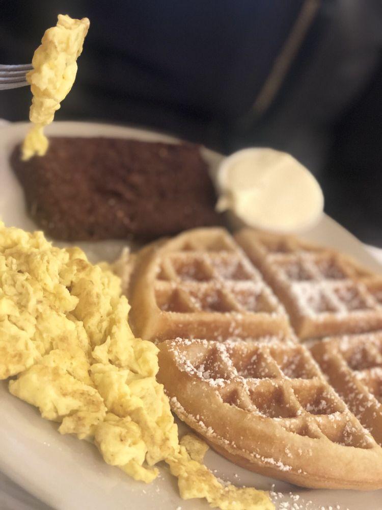 Lenox Cafe: 2730 Atlantic Ave, Atlantic City, NJ