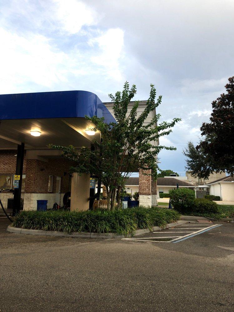 Blue Water Express Wash: 1405 S Semoran Blvd, Orlando, FL