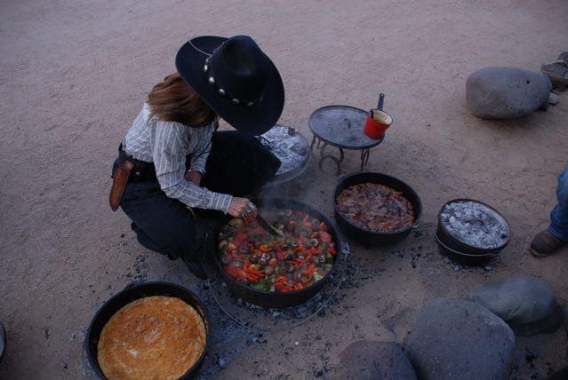 Cowgirls Forever: Desert Hills, AZ