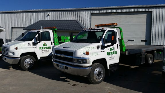 DJ Repair & 24 Hour Towing: 1915 210th St, Manchester, IA
