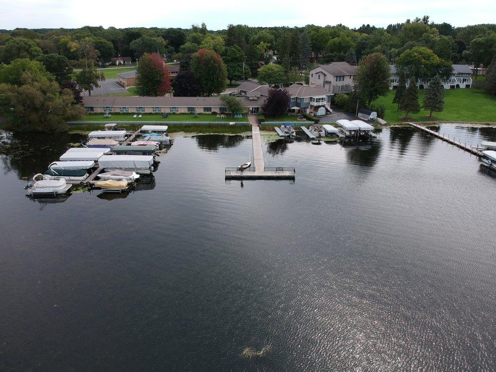 Bayview Motel & Marina: 439 Lake St, Green Lake, WI