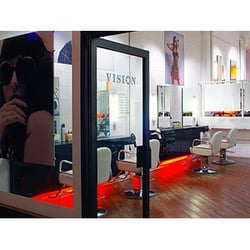 Photo De Vision Hair Salon Londres London Royaume Uni Photograph Courtesy