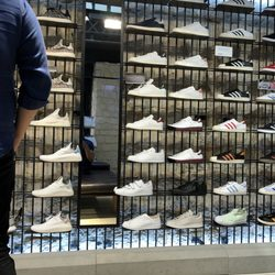 well known picked up sale online Adidas - 15 Photos - Magasin de sport - 3 rue des Rosiers ...