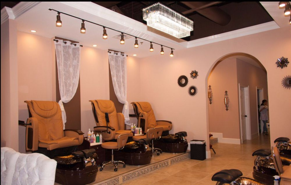 Hi-En Nail Salon & Spa: 7320 Broad River Rd, Irmo, SC