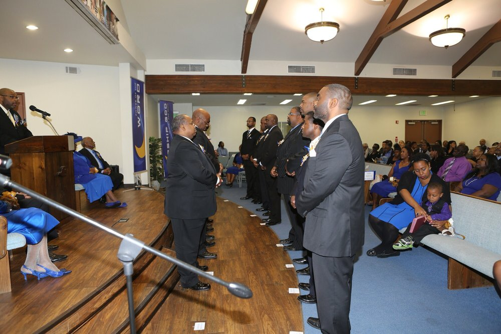 Crenshaw Church of Christ: 2719 W Martin Luther King Jr Blvd, Los Angeles, CA