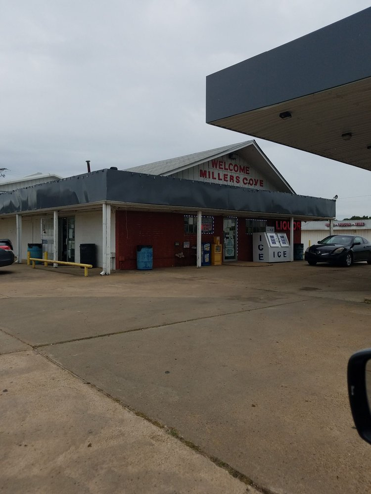 Miller's Cove Package Store: I Hwy 30, Winfield, TX