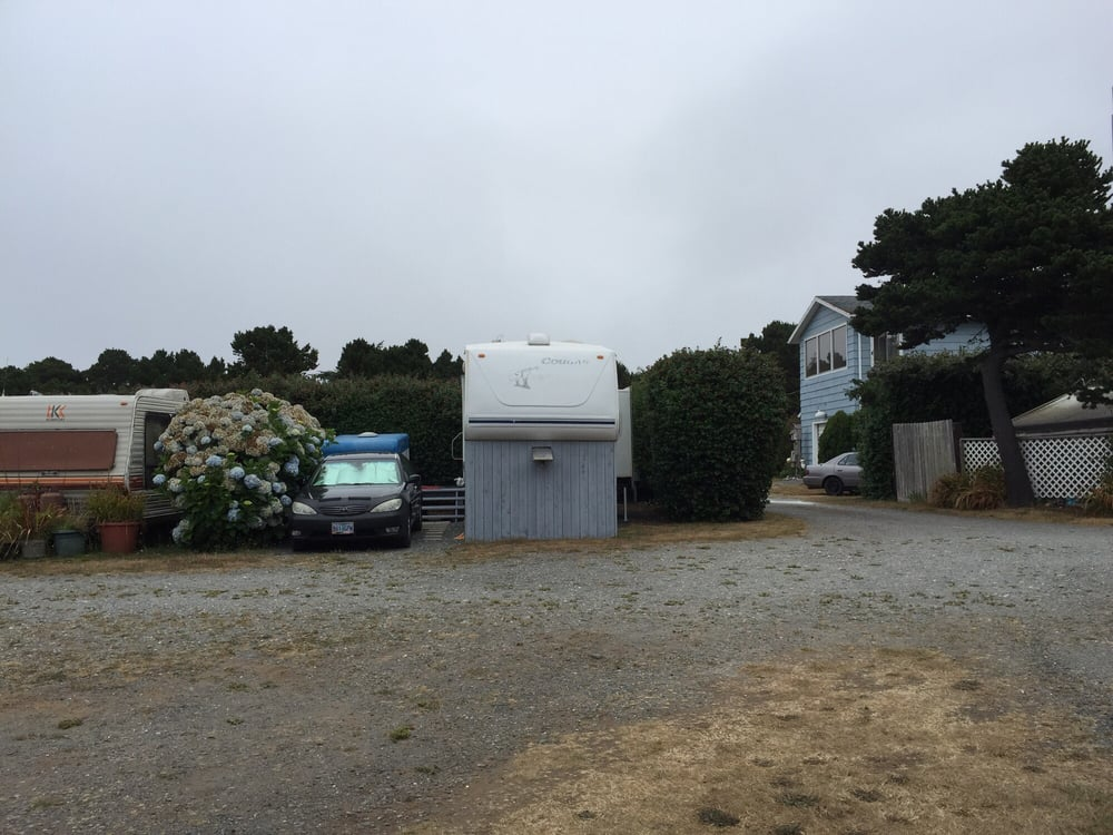 Nesika Beach Rv Park: 32887 Nesika Rd, Gold Beach, OR