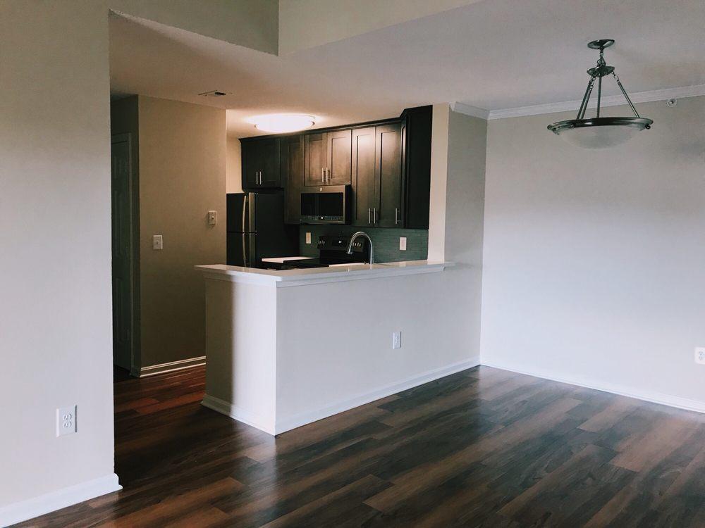 Loudoun Heights Apartments: 20300 River Ridge Ter, Ashburn, VA