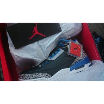 Shoe Stores In Encino Ca
