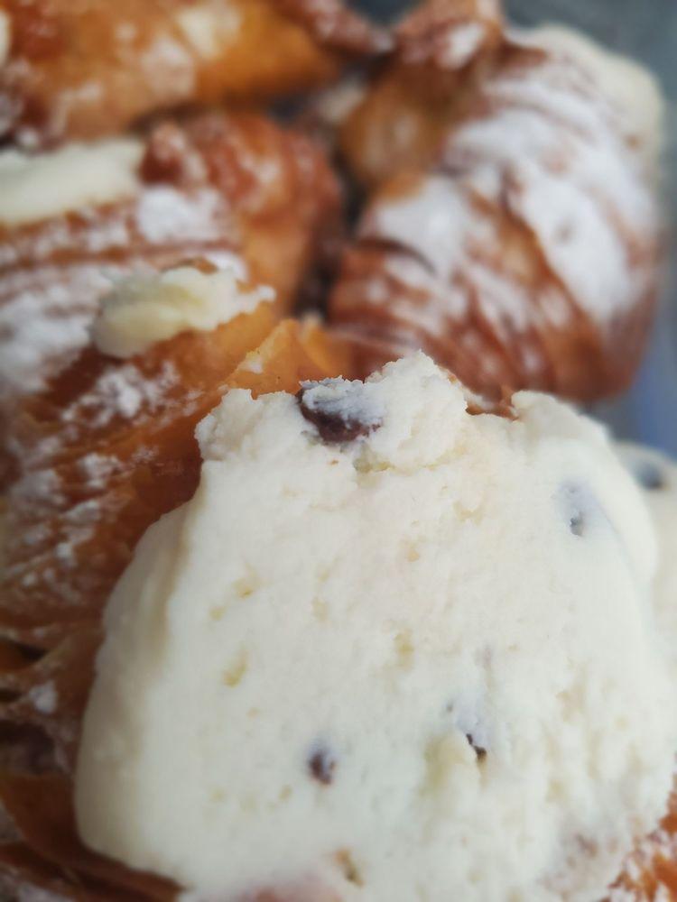 Joseph's Italian Pastry Shop: 788 S Federal Hwy, Deerfield Beach, FL