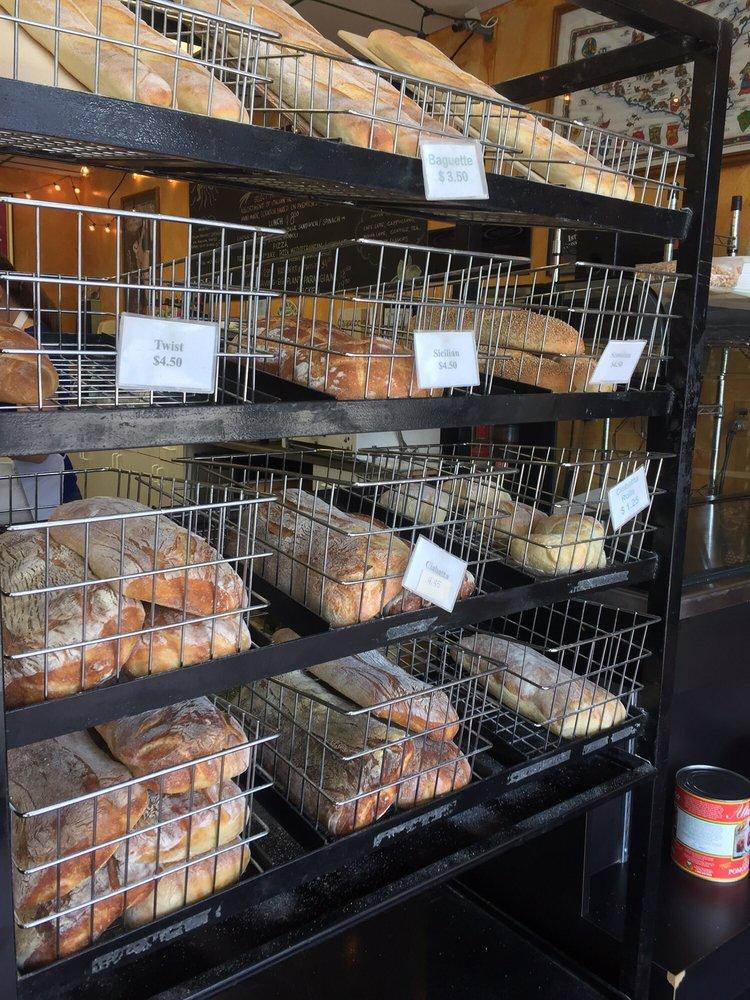 Dolce Sicilia Italian Bakery: 3210 Wadsworth Blvd, Wheat Ridge, CO