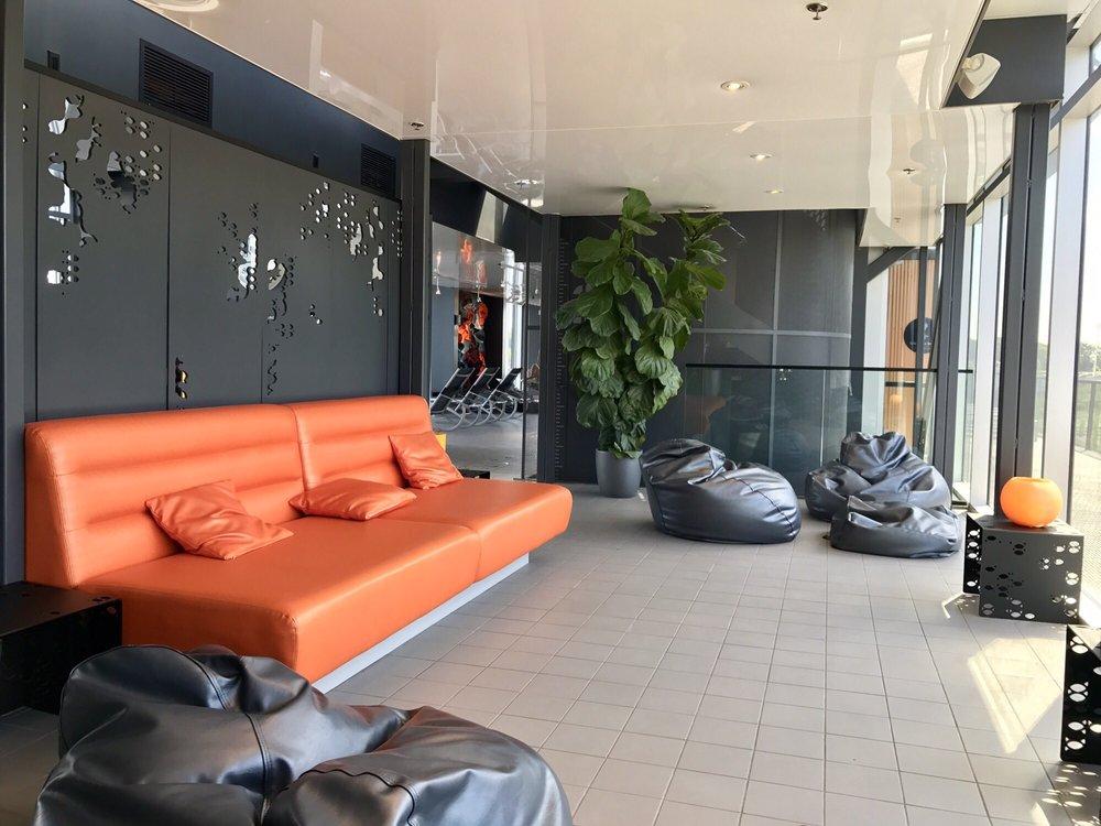 Bota bota 186 photos 130 reviews spa 358 rue de la for 186 davenport salon review