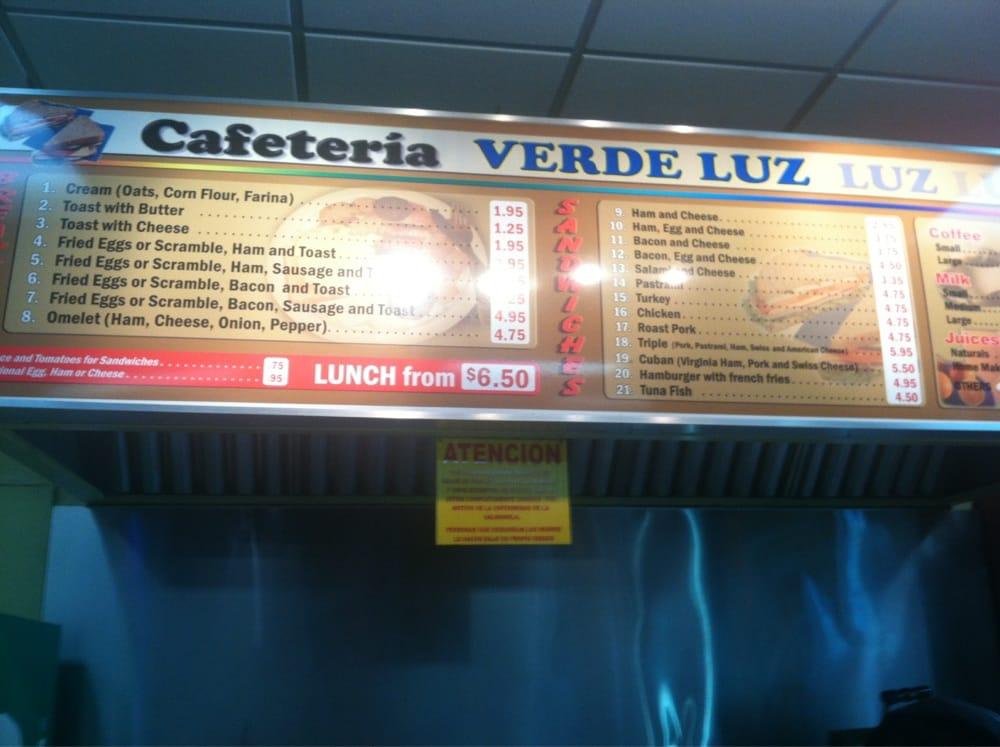 Cafeteria Verde Luz: Aeropuerto Aguadilla, Aguadilla, PR